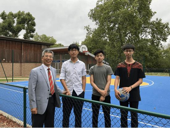 金吉列留学董事长朱燕民在圣约翰中学偶遇金吉列留学送出的学生