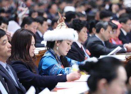 最高人民检察院检察长曹建明作工作报告