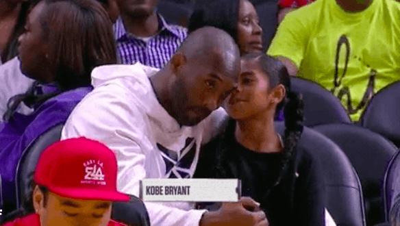 科比攜女兒現場看WNBA 這是培養未來之星的節奏?