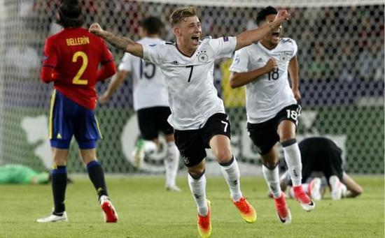 德国三队完胜西班牙天才 新款日耳曼战车下线