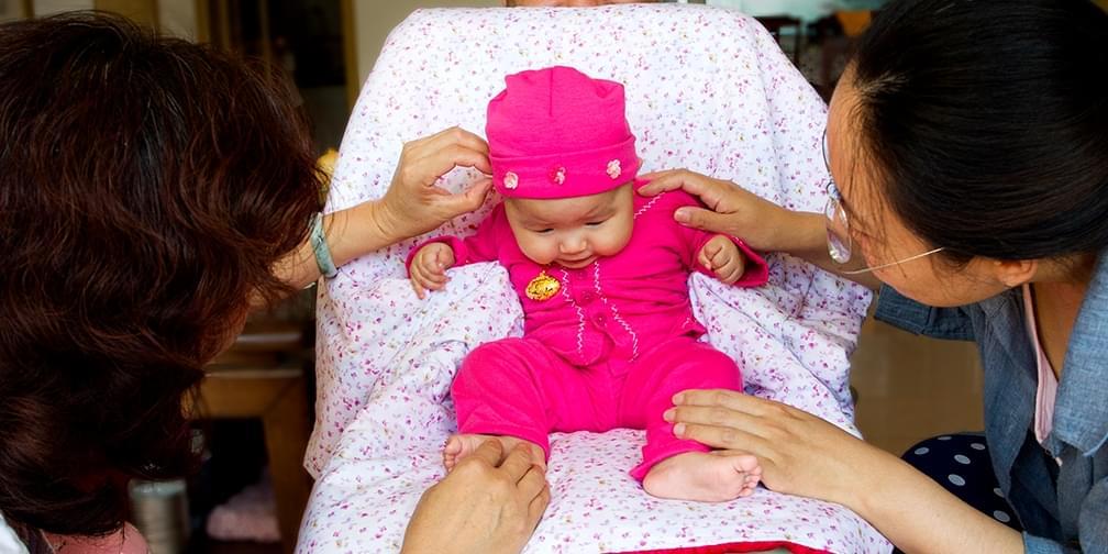 从出生到两岁,一个女孩22个月的成长影像