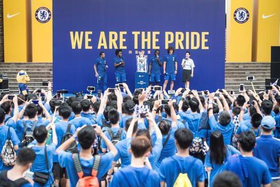 切尔西四巨星展示新款战袍 路易斯:感谢中国球迷