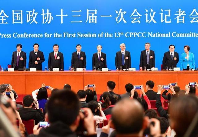 民主党派中央和工商联领导人举行记者会