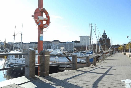 赫尔辛基海港远眺