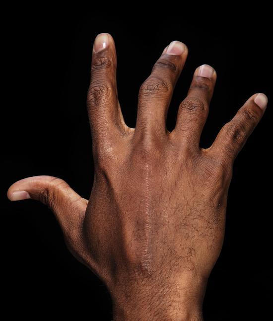 保羅這雙傷痕累累的手 怎麼就是摸不到西決地板