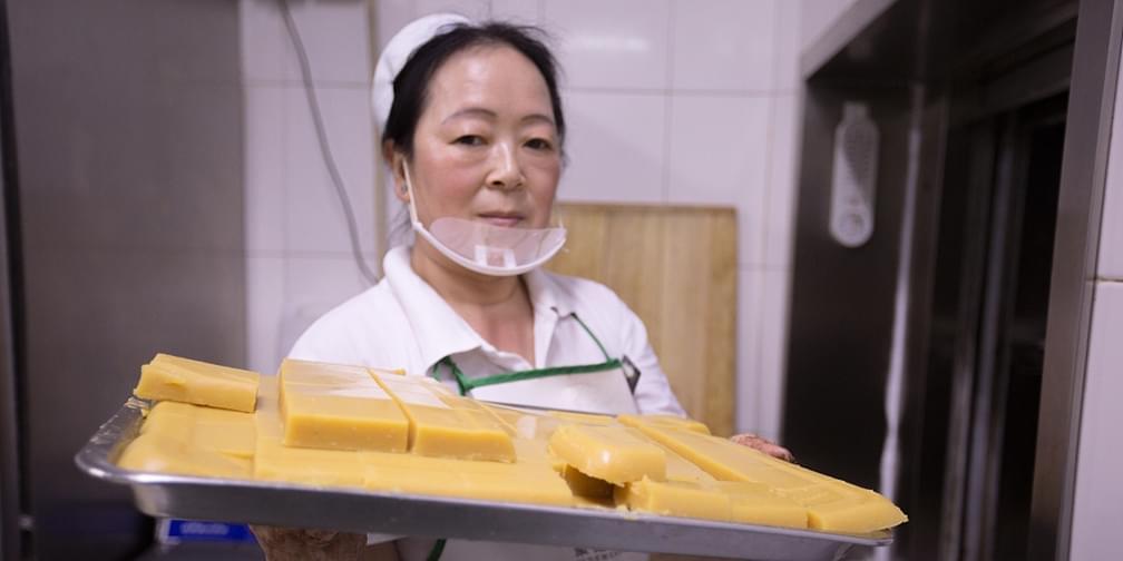 她15岁起在北京做豌豆黄,一做就是38年