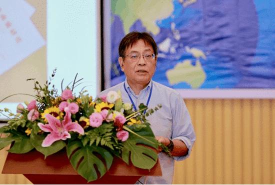 香港科技大学、三亚学院国家治理研究院学术委员会委员丁学良教授作《中国—东盟长远睦邻关系的一项基本建设》主题发言
