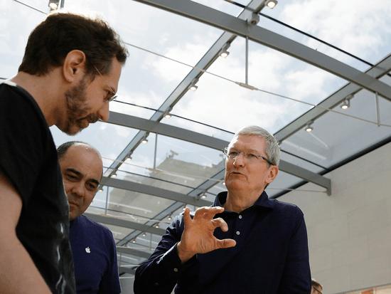 微软VS.苹果:关于未来科技的秘密较量的照片 - 1