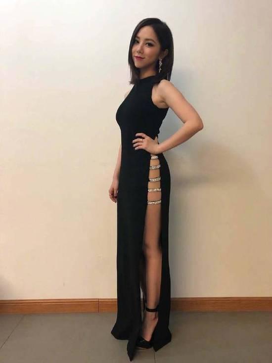 邓紫棋穿性感长裙超惊艳 157身材穿出1米75的腿