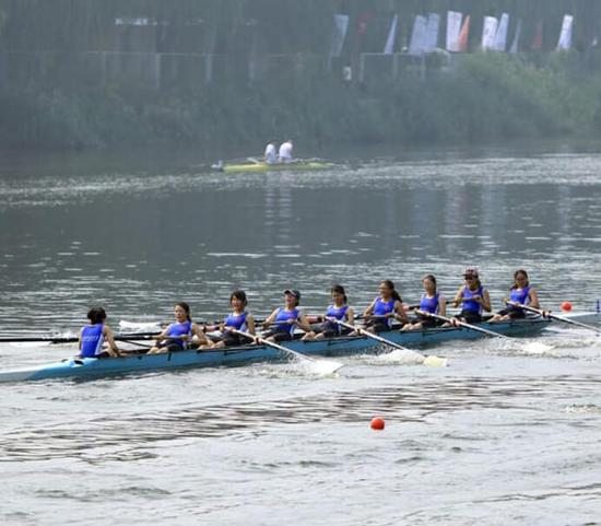 西安交通大学女子八人艇