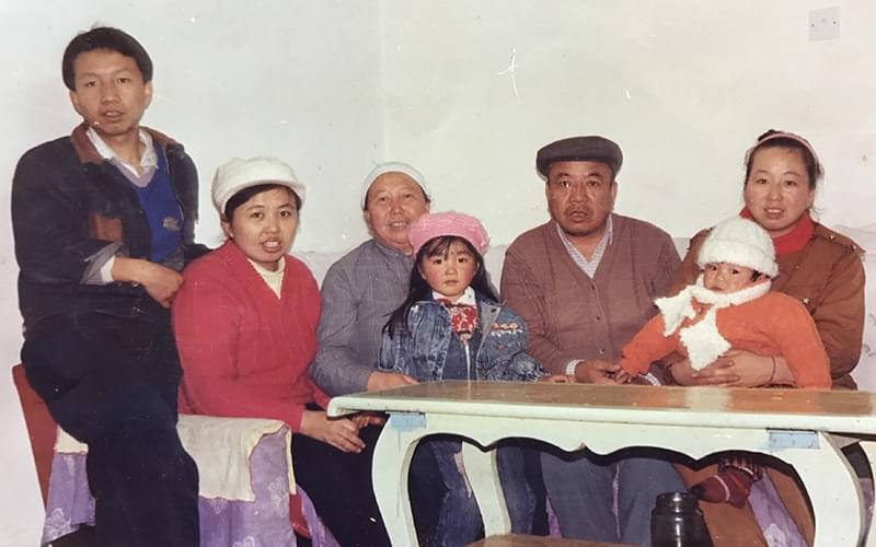 1990年,我刚满三岁。(作者供图)