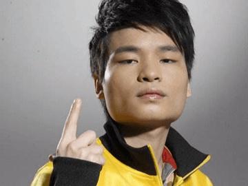 ub8优游登录2传奇选手第十期——LongDD:黄翔