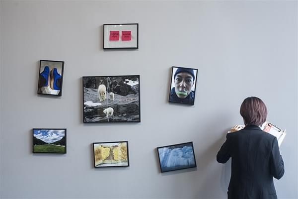 陈冠希办个人摄影展引网友围观的照片 - 8