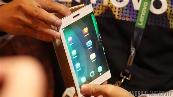三星柔性屏手机或Q3亮相:命名Galaxy X 备货10万台的照片 - 1