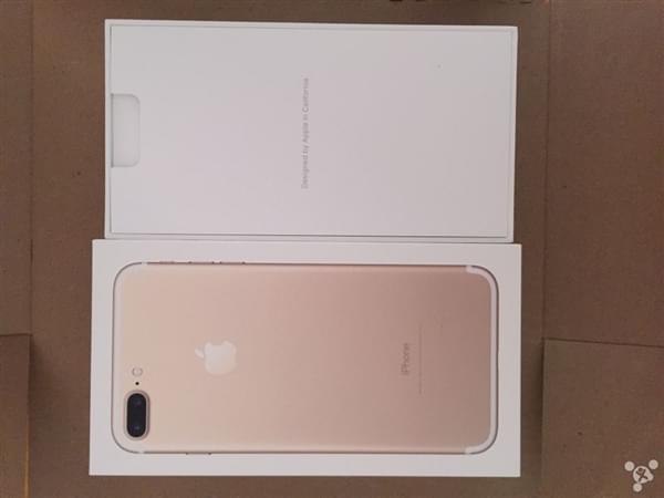 首批iPhone 7到货开箱图:玫瑰金和黑色成为主流的照片 - 5