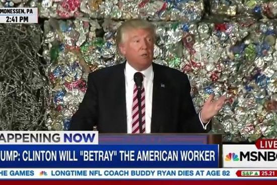 [图]川普站在垃圾墙前发表演讲:为网友再添消遣话题