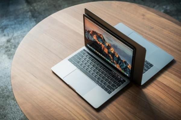 横穿七个时代: 回忆苹果笔记本电脑的进化的照片 - 1