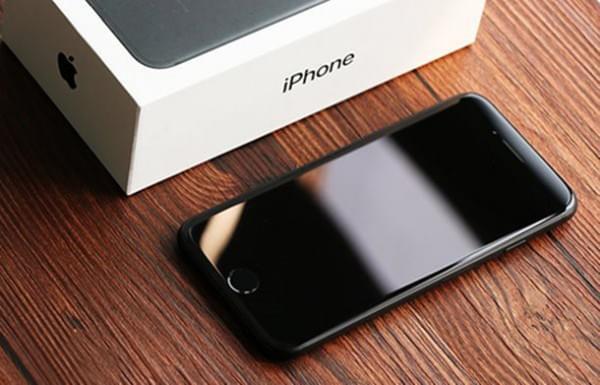 安兔兔11月手机性能排行榜:iPhone7再次秒杀全场Mate9上榜的照片 - 1