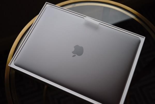 全新MacBook Pro评测:Touch Bar是亮点 但需要习惯的照片 - 2
