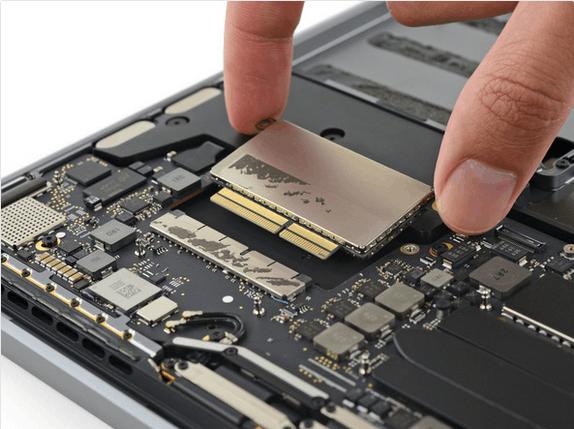 13英寸入门级新MacBook Pro拆解 很难修复的照片 - 24