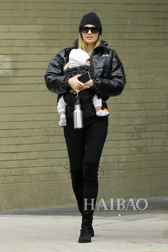 坎蒂丝·斯瓦内普尔 (Candice Swanepoel) 街拍
