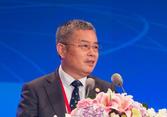 李扬:这轮民企寻求国企资金自救 是国企混改好契机