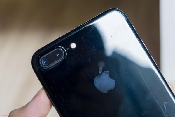 哑光黑和亮黑色iPhone 7划伤后会怎么样?的照片 - 16