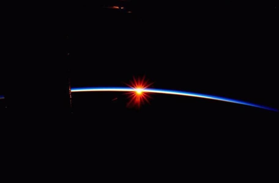 宇航员镜头里的世界:超美宇宙空间站的照片 - 13