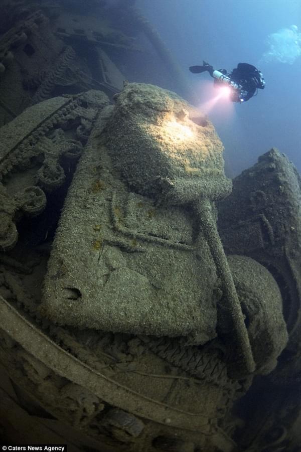 """探险家花25年终于找到二战""""黄金沉船""""的照片 - 4"""
