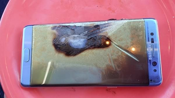 Galaxy Note 7换机后仍存起火隐患:全美已曝光第5起案例的照片