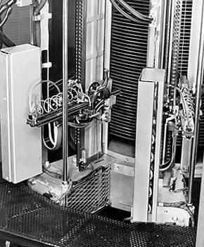 世界第一块硬盘 IBM大佬走过47年辉煌历史的照片 - 3