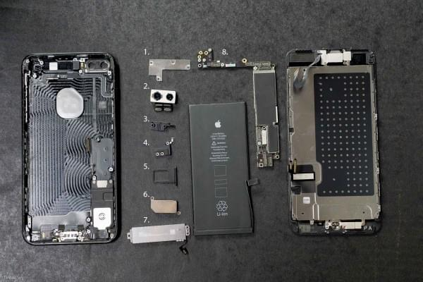 2675mAh容量电池:iPhone 7 Plus拆解视频的照片 - 17