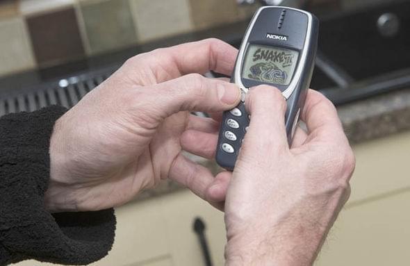 英国老兵晒诺基亚神机3310:服役17年不死的照片 - 4