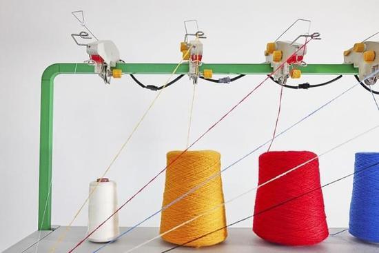 人人都能做設計 智能針織機讓用戶設計自己的衣服