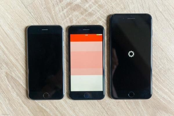 哑光黑和亮黑色iPhone 7划伤后会怎么样?的照片 - 2