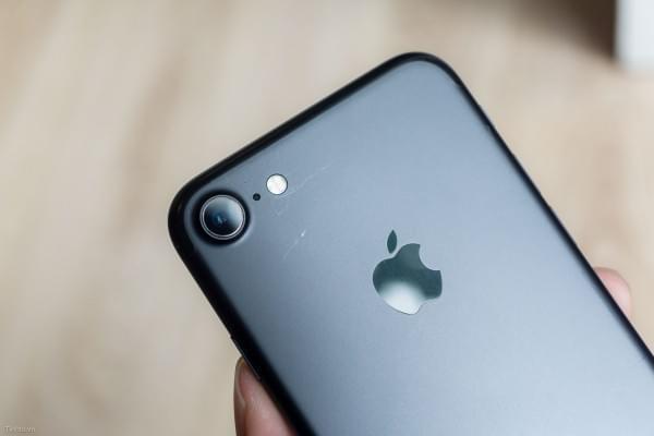 哑光黑和亮黑色iPhone 7划伤后会怎么样?的照片 - 10