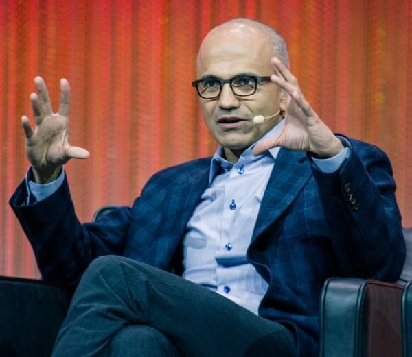 微软CEO发文谈美总统大选:对整个世界及公司员工都很重要的照片
