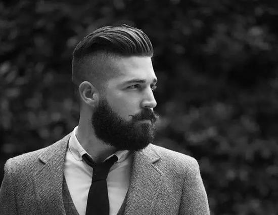 颜值不够发型凑 2017年不容错过的4款男生发型
