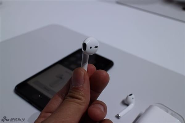 iPhone 7必买 1288元苹果无线耳机AirPods图赏的照片 - 4