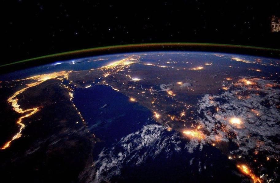 宇航员镜头里的世界:超美宇宙空间站的照片 - 16
