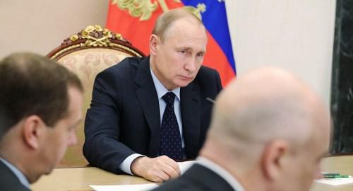 俄航天集团想推迟火箭研发 普京:全都按计划起飞