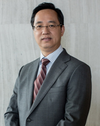 江晖——星石投资董事长、投资决策委员会主席、中国证券投资基金业协会私募证券投资基金专业委员会委员。