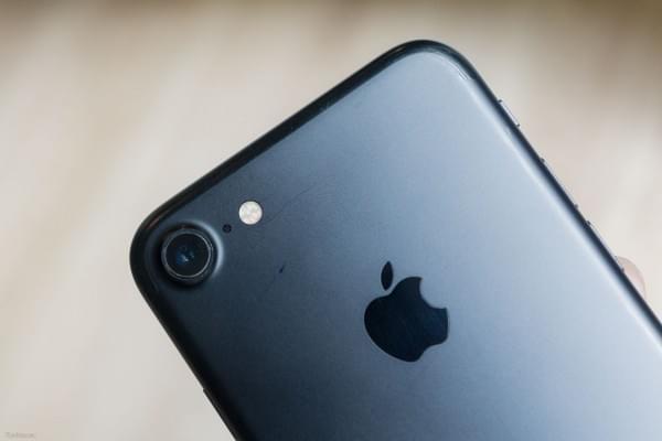 哑光黑和亮黑色iPhone 7划伤后会怎么样?的照片 - 17