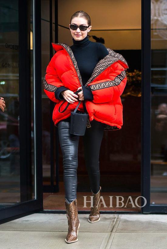 吉吉·哈迪德 (Gigi Hadid) 近日街拍