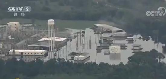 """飓风""""哈维""""成导火索 暴露得克萨斯州化工业短板"""