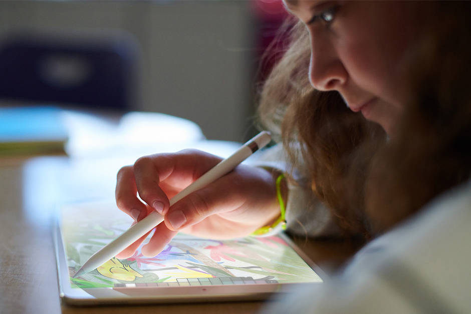 评测者们看2588元新款iPad:入门级机型性价比高的照片
