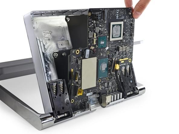 Surface Studio拆解:内部有ARM处理器 可轻松更换硬盘的照片 - 29