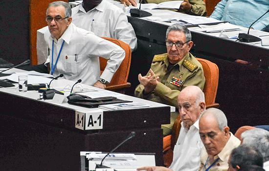 """古巴修宪或解决领导层""""老化"""" 将全民公投修宪议案"""