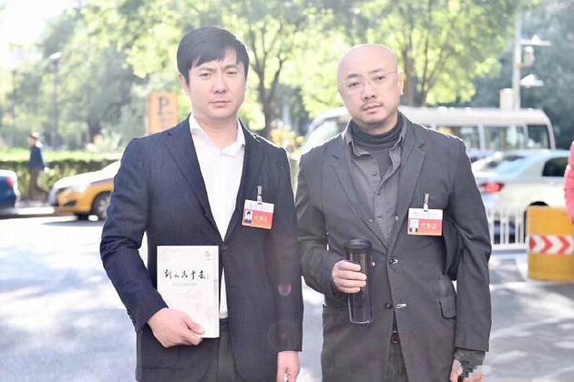 网曝徐峥沈腾会场外合影