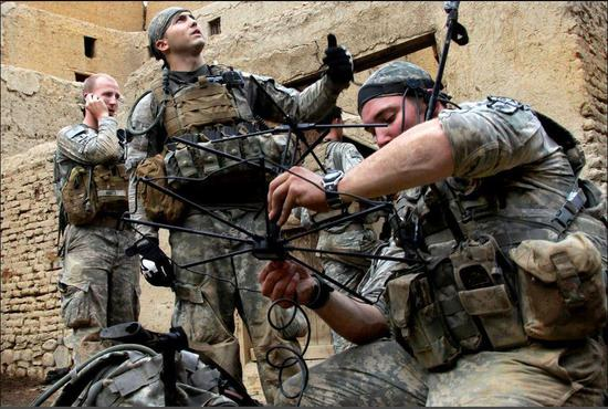 未来战场士兵如何交流?美军想要智能手机式通信系统